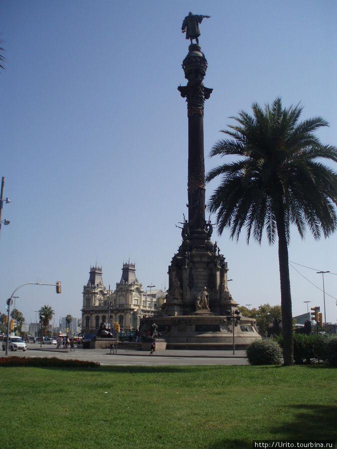 монументальная колонна со статуей Христофора Колумба