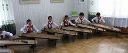 24. Класс игры на каком-то традиционном музыкальном инструменте.