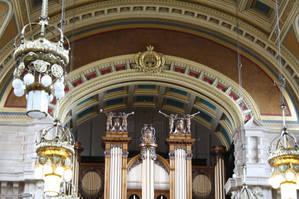 Орган в центральном зале