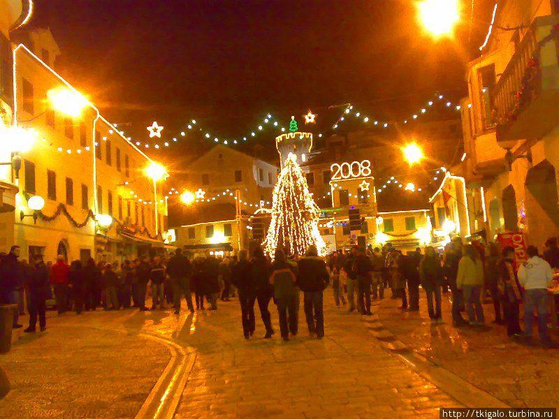 Старый город во время празднования Нового года.