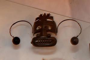Железная маска из пыточной камеры.Музей средневекового быта.