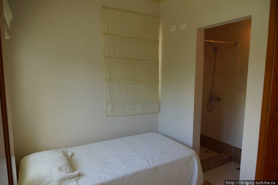 Комната и ванная для домработницы, если таковая нужна.