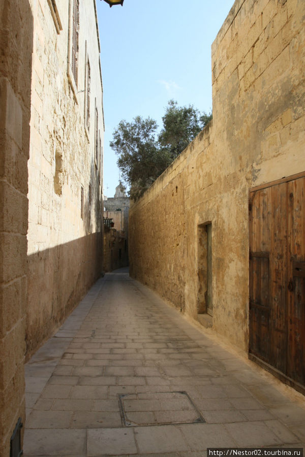Мдина. Кривые арабские улочки.
