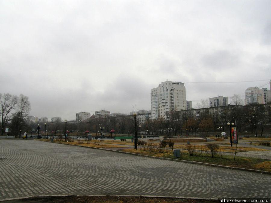 С улицы Пушкина выхожу к Городским Прудам...