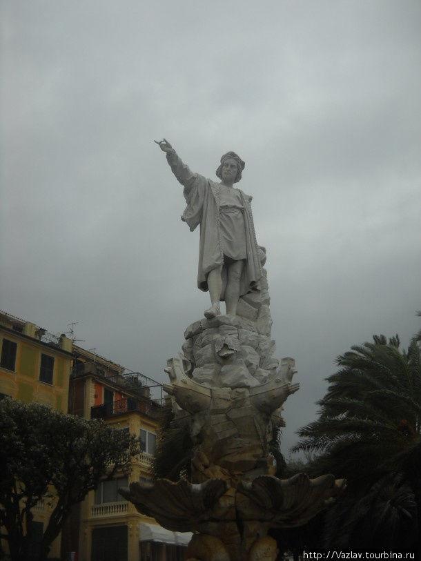 Памятник во всей красе
