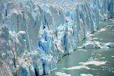 И что бывают такие отвесные ледяные стены..