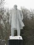 Главный памятник — Ленин — с главной площади перехал в парк аттракционов