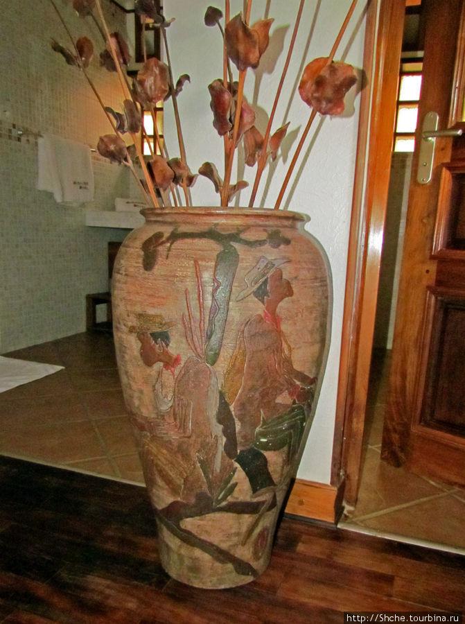 Красивая большая ваза... была