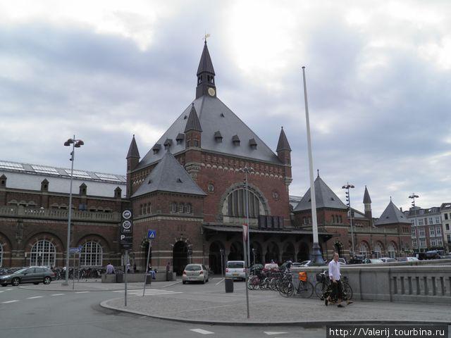Центральный вход в вокзал