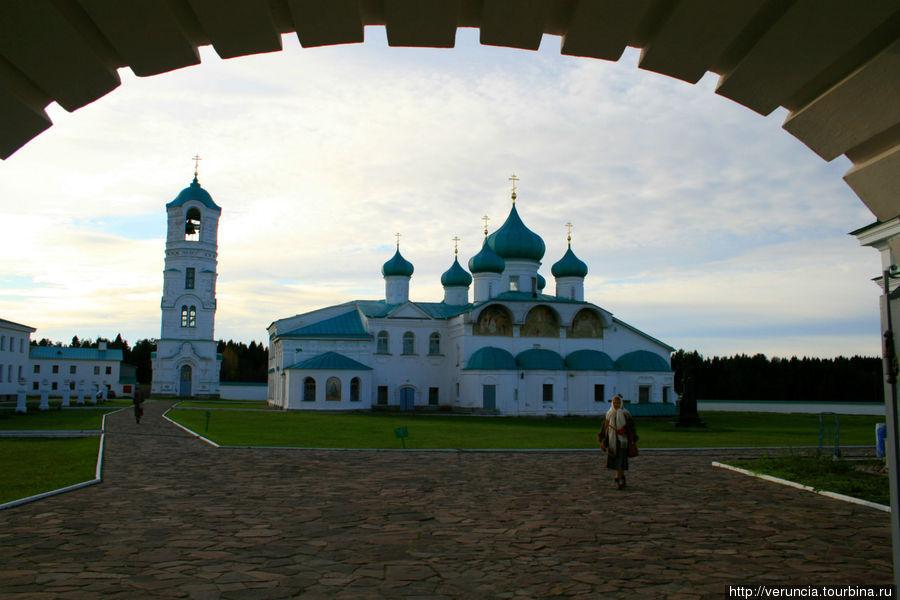Преображенский собор и колокольня