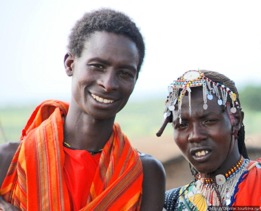 Независимо от пола масаи носят легкие блестящие металлические украшения: кольца, браслеты, бусы, ожерелья по типу цыганских монисто