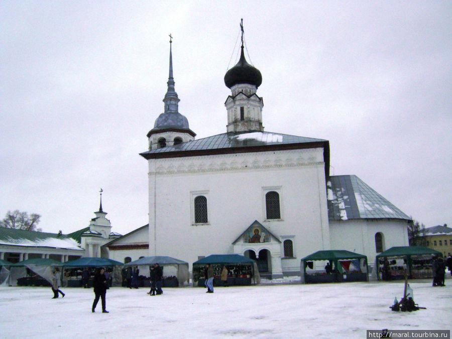 Воскресенская церковь (1720 год) на Торговой площади