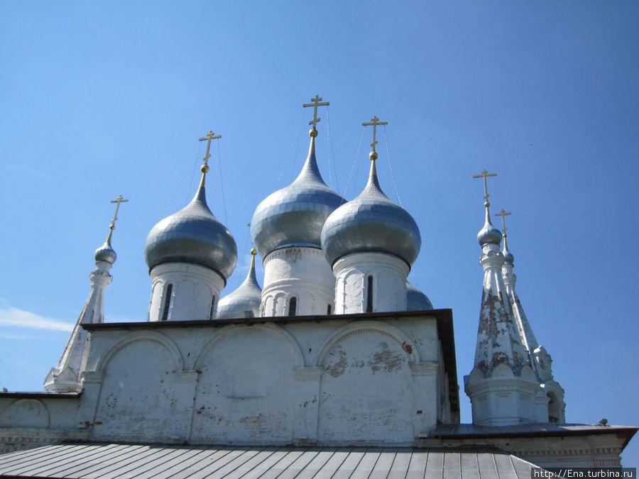 Крестовоздвиженский собор. Купола. Фрагмент