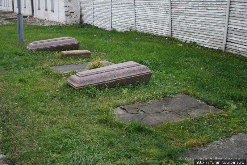 Старинные захоронения