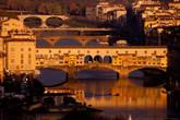 Мост Понте Веккьо целиком.