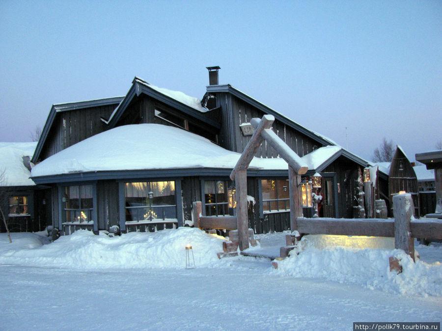 Кафе на лыжной трассе.