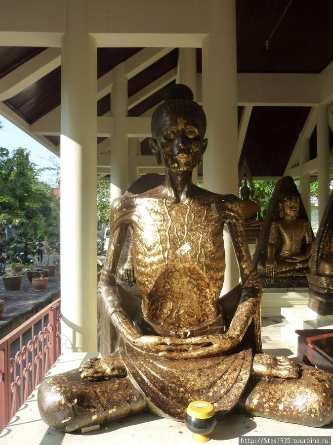 Область Исан. Храм Wat Pho Banakla.