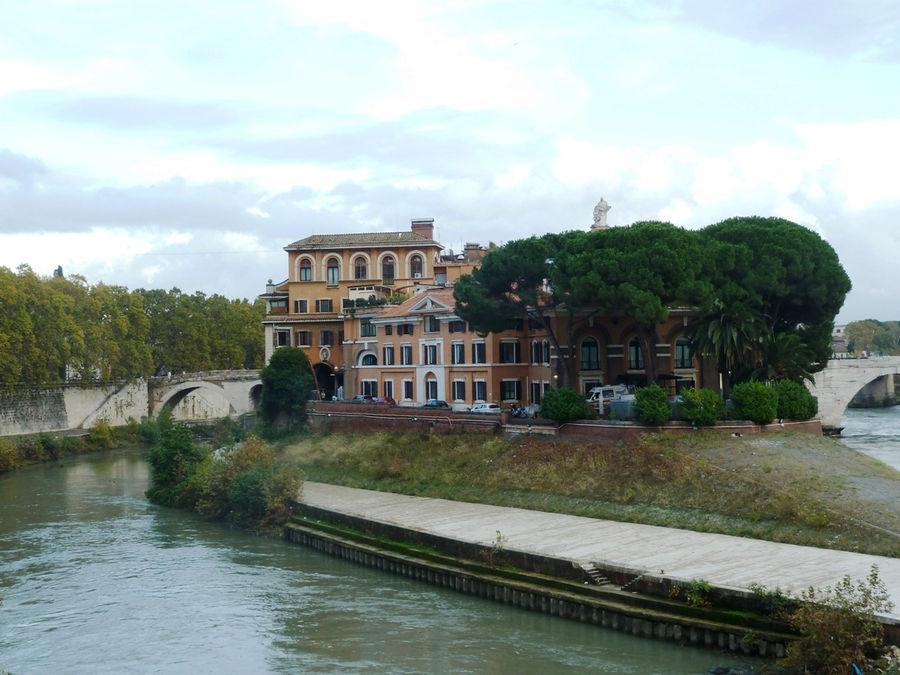 Вид на остров Тиберина