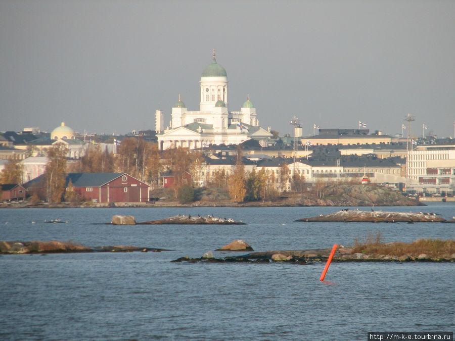 Вид на Кафедральный собор с борта парома в крепость Свеаборг