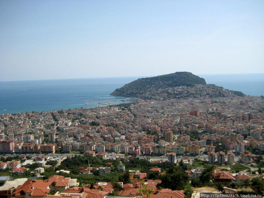 Вид на Сельджукскую крепость  город.