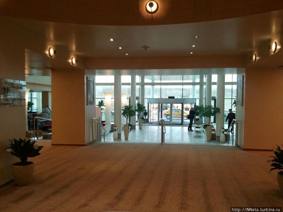 Вход в RIN Grand Hotel