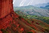 Красные горы Джеты-Огуз.