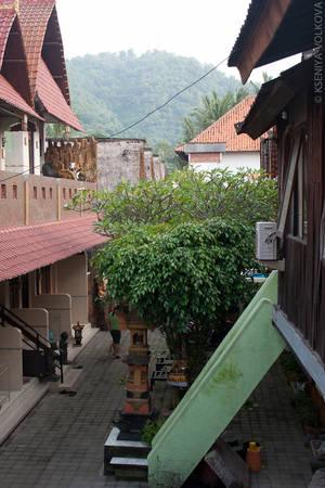 Вид на предгорья. Чувствуется, что мы уже все ближе к горным хребтам северного Бали.