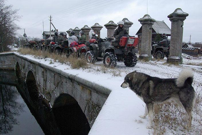 Дубенский арочный водоспуск.