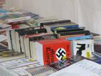 Продаётся и Майн Кампф (уличный ларёк книг по сниженным ценам)