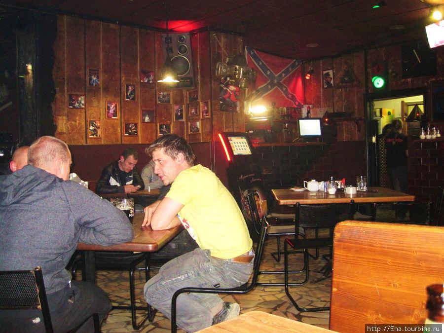 В рок-баре