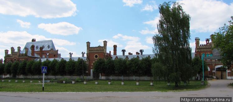 Здание манежа, фасадная с