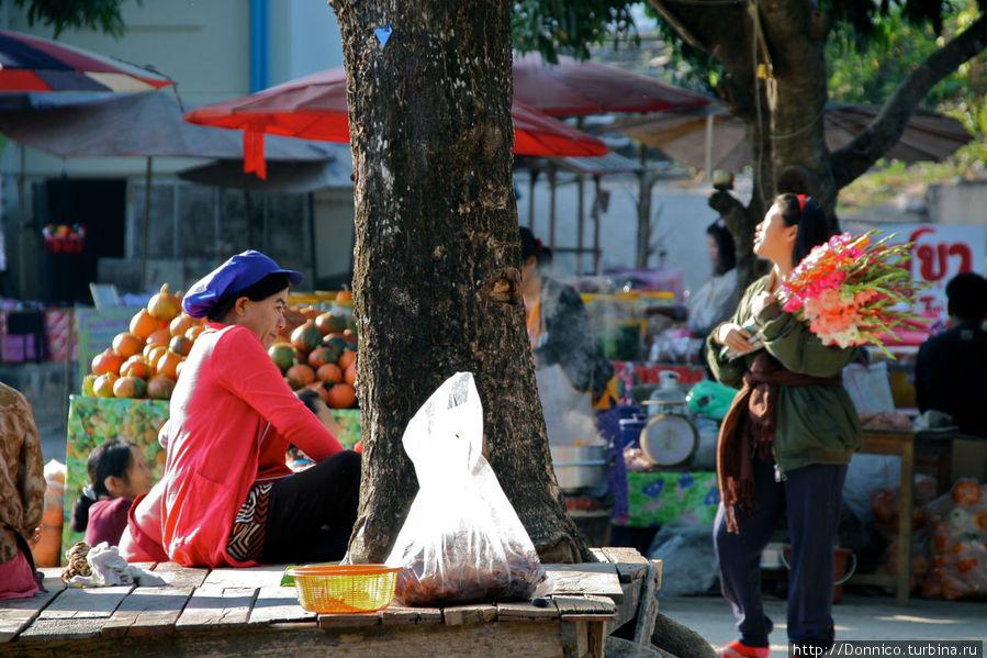 утренняя торговля цветами