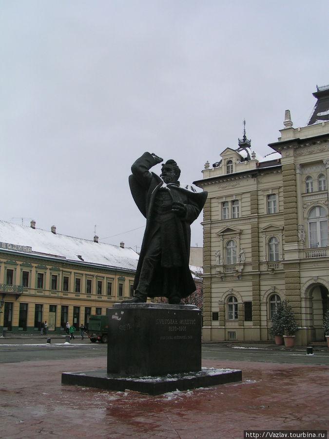 Памятник бывшему мэру