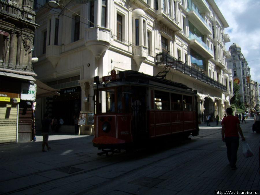 Исторический трамвайчик.