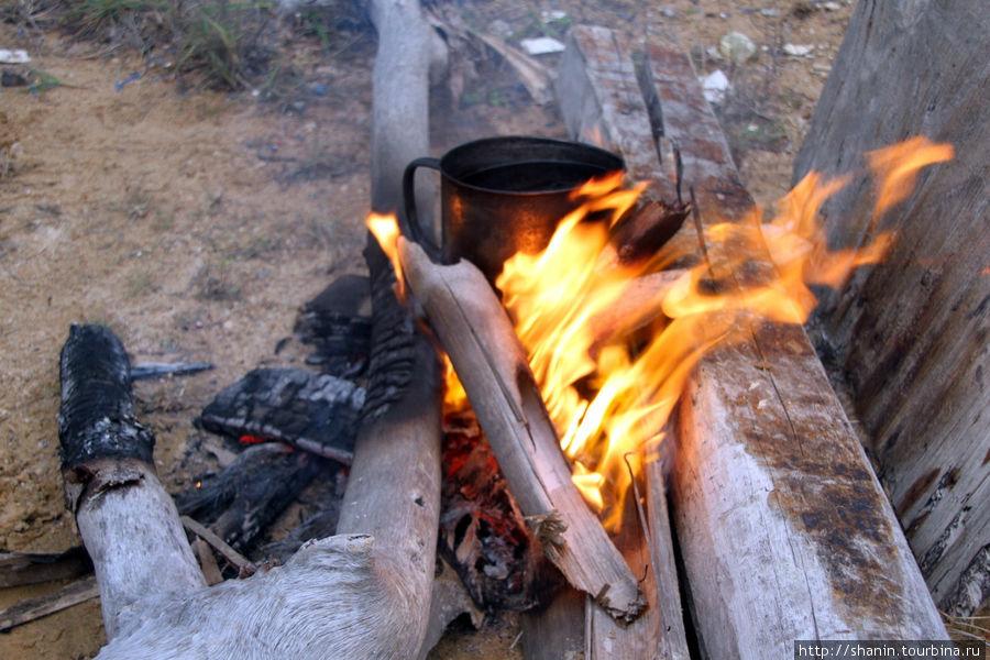 Костер разгорается