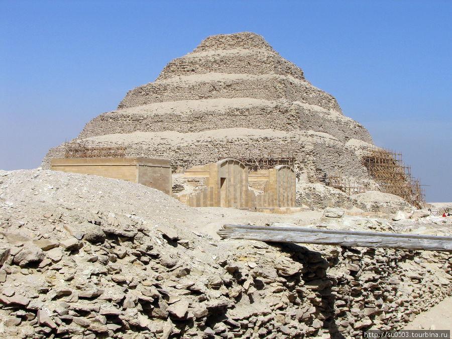 Саккара, пирамида Джоссер