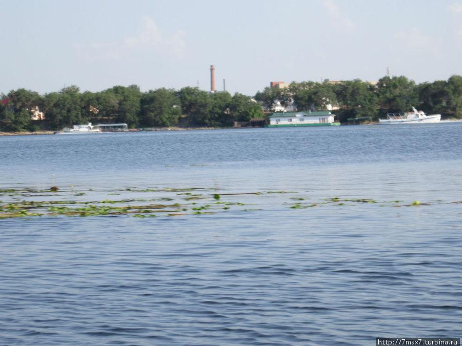 Вид с лодки на город Энгельс