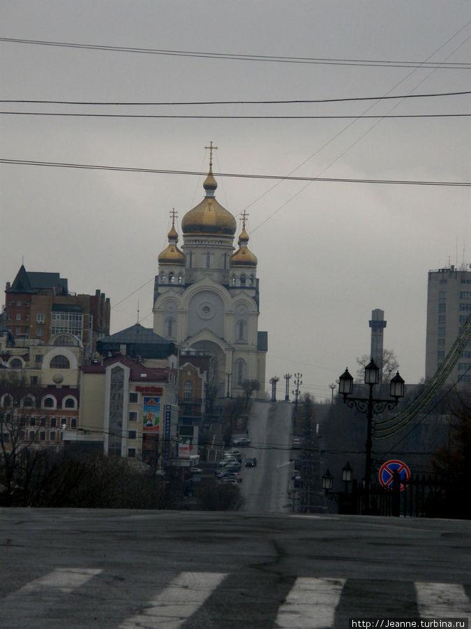 Вид от начала Комсомольской площади — улица тургенева выводит к площади славы. Там стоит мой любимый храм — Спасо-Преображенский кафедральный собор...