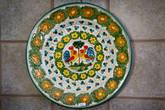 Изображение петуха — основной мотив местной керамики