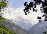 Издали горы кажутся огромными....