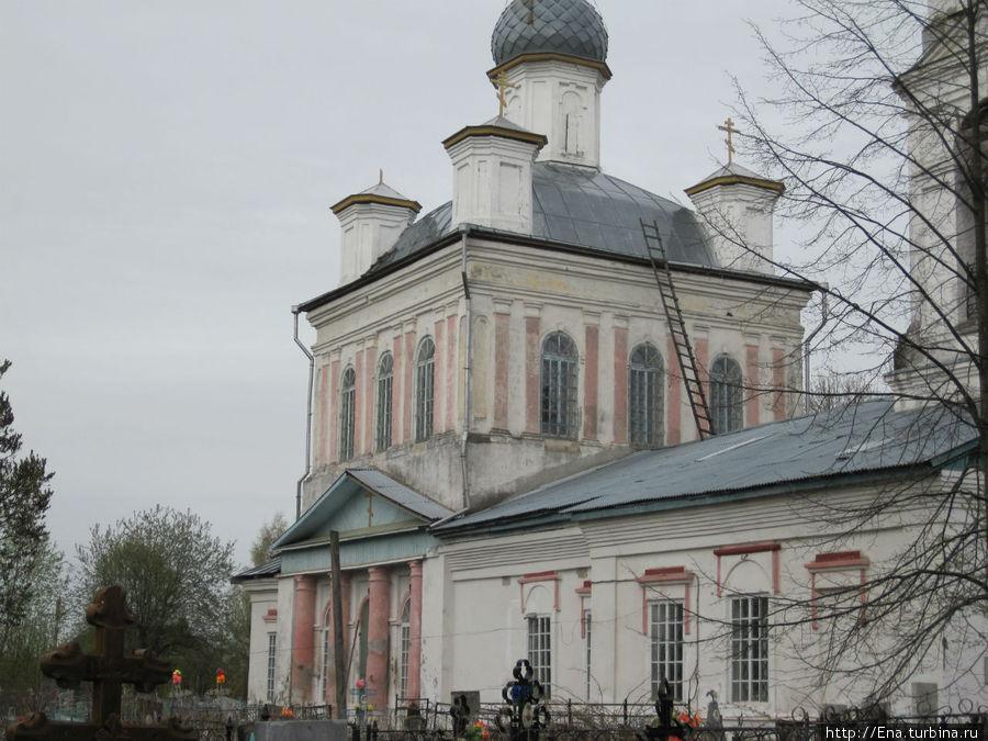 Успенская церковь в Пошехонье — вблизи поражает утонченной архитектурой