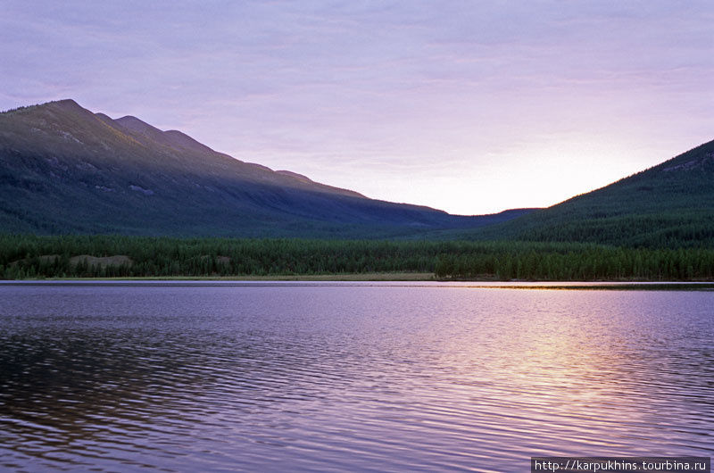 Третье озеро. Вечер. Пока ещё по-летнему тёплый, но один из последних таковых.