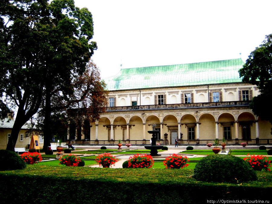 Летний дворец — Бельведер.