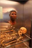 Восстановленая внешность одного из чуваков, найденных в захоронениях. Он был из Сирии. Все говорит о том, что Римская Империя объединяла народы: в захоронениях найдены останки жителей Рима, Сирии, северной Африки и многих всяких-разных европейцев.