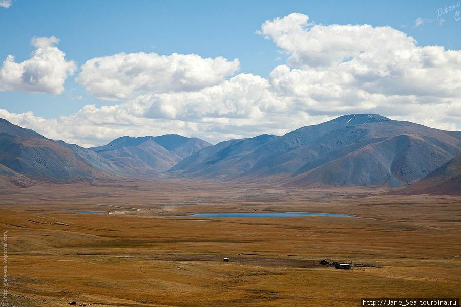 Тархатинское озеро.