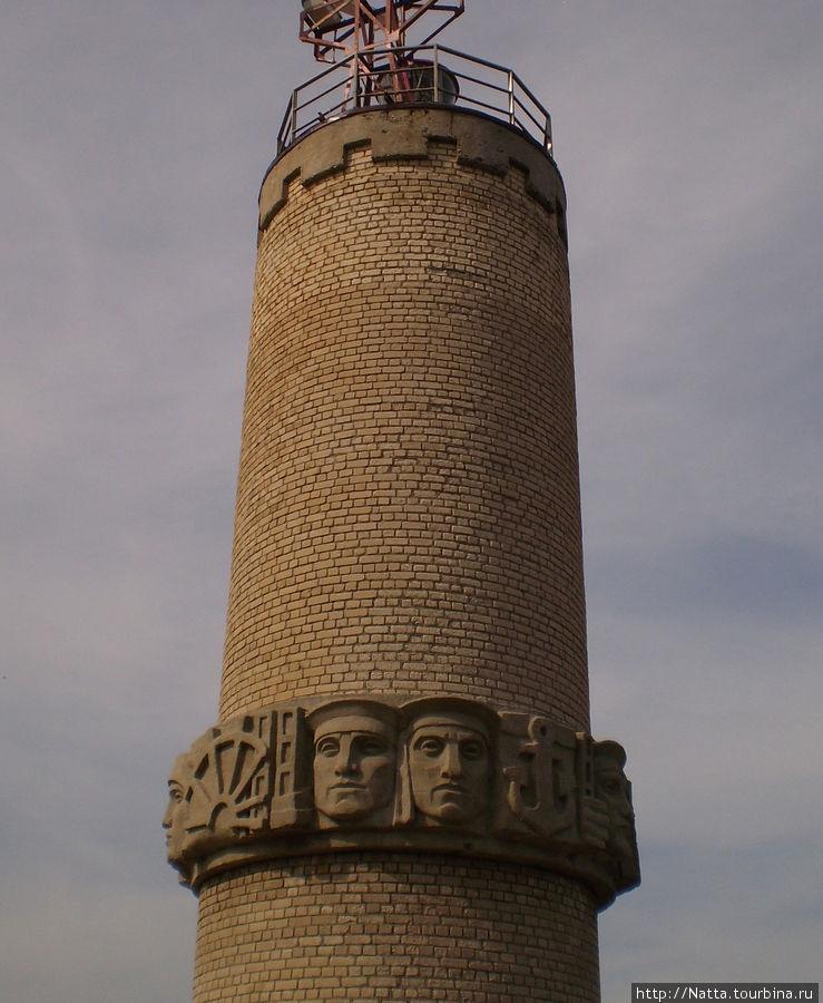Барельеф на маяке