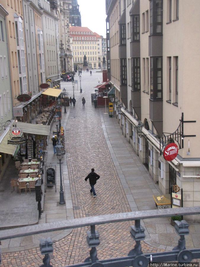 улица, где располагается ресторан