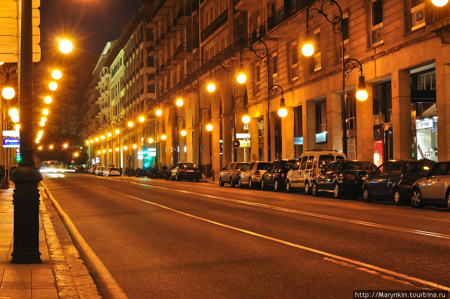 Улица — Avda. Jaime III, на которой расположен отель.
