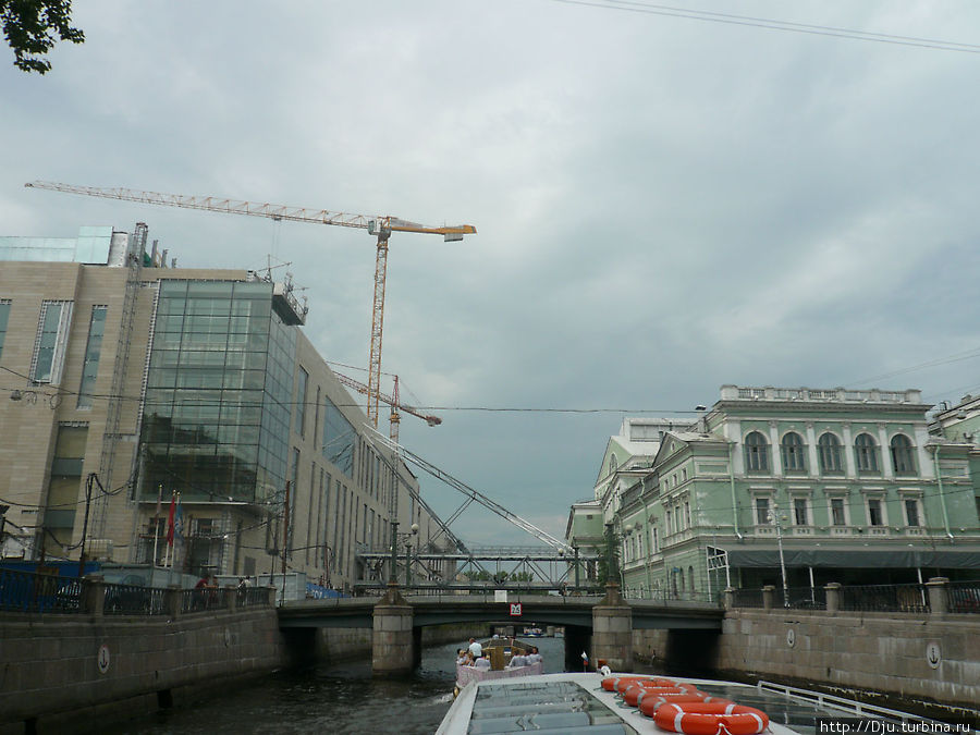 Новое и старое здания Мариинского театра