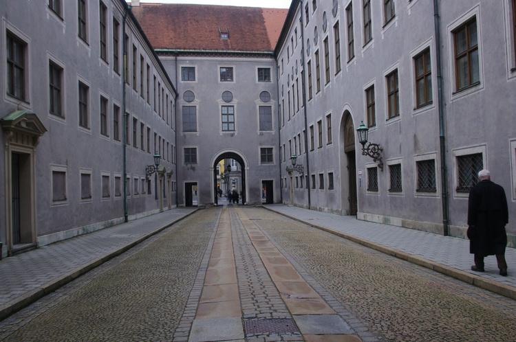 В переулках возле ратуши